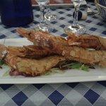 Antipasto: gamberi in crosta di mandorle: divini!!!