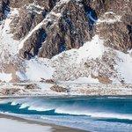 Küste bei Kongsfjord im Winter