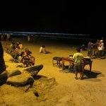 playa por la noche