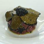 Tartare de magret du canard aux truffes
