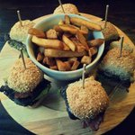 The Amazing Burger Platter!!