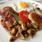 Hugo's full english