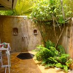 Amazing outdoor shower in Cottage 4
