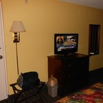 flat screen HDTV with DirecTV