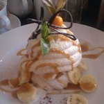 Banoffee Pavlova - Out of this world!!
