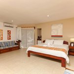 Bahia del Sol Beach Front Hotel & Suites Photo