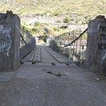 This is the bridge in Olantaytambo. It is NOT the Inca Bridge!
