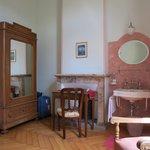 Hotel Montarina: Antique Room