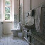 Hotel Montarina: Communal Toilet