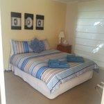 Blue cottage-Queen bedroom