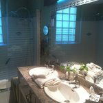 Baño Junio Suite Renaissance