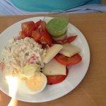 tomate mozzarella sans gouts !! de vraies échalotes dans les tomates un délice