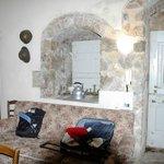 la grande camera che avevamo con arredamento rustico