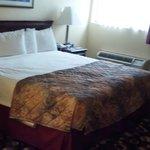king bed, good mattress