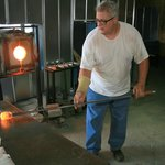 Marvering hot molten glass