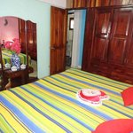 Bedroom (King bed)
