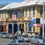 Adelphi Bar And Restaurant Foto