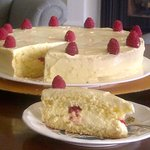 mmmmm... Lemon Butter Cream & Fresh Raspberries