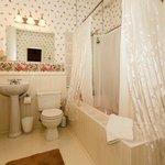 Loft Bath with soaker tub
