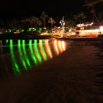 The beach and restaurant at night - tunliweb.no