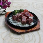 Sizzling Diced Angus Beef with Garlic