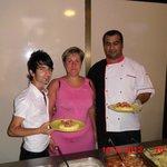 Шеф-повар и самый маленький, но самый лучший официант