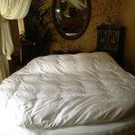 Round bed!