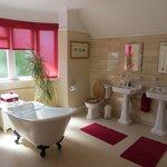 Egerton Suite Bathroom