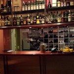 simone the bar