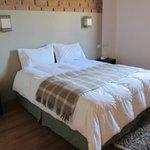 dormitorio con cómodo sommier