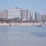 lungomare montesilvano - grandi alberghi - veduta da spiaggia libera