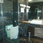 big bathroom - pity no bathtub