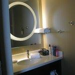 Douche (la toilette est séparée de la douche)