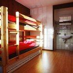 Sextuple room/Chambre sextuple Petit-Combin 2