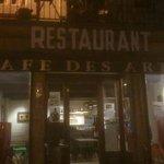 Facade du Café des arts