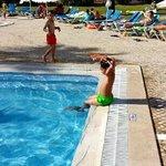 Muito razoável para o preço e as crianças adoram. A piscina está sempre impecável