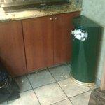 poubelle qui déborde