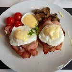 Eggs benedict !