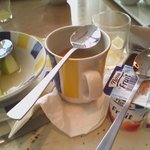 dezelfde soeplepel voor : koffie, youhurt, fruit
