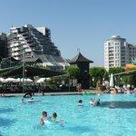 het hotel met hun geweldige zwembaden