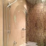 the wet-room shower- I want one!