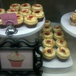 ....and yet more cupcakes