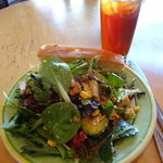 My delicious salad & iced tea