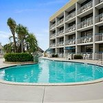 Travelodge Nags Head Beach Hotel / Outer Banks