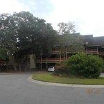 Laurel Court building