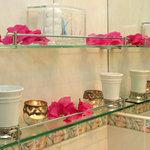 Guest Amenities in Bathroom