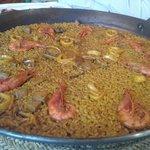arroz y marisco al sarmiento con gamba roja