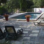 piscine ( tjrs possibilité de trouver un coin d'ombre)