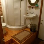 The Hideaway (bathroom)