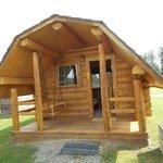Beautiful little cabin!
